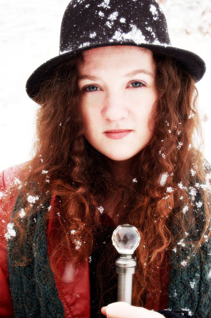 amber in the snow sarah thomas