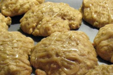Recipe Box: Oatmeal Applesauce Cookies with Maple Drizzle