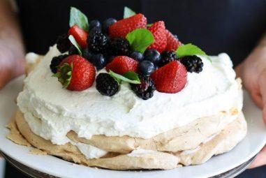 Aussie Pavlova: a Gluten & Dairy-Free Recipe